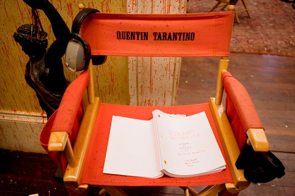 Cadeira de Tarantino com o script de Django Unchained.