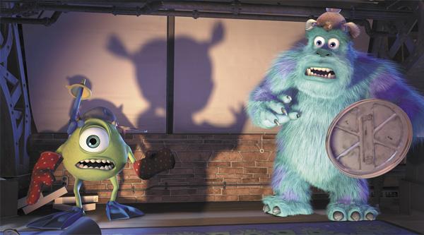 Monstros SA - Mike e Sulley assustados com a Boo