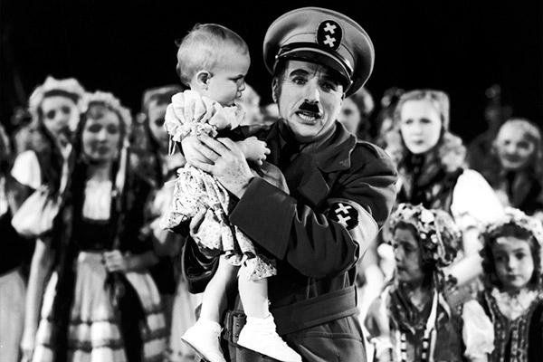 o-grande-ditador-hynkel-bebe