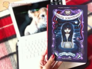 O Estranho Mundo de Jane True #1 – Garota Tempestade, livro de Nicole Peeler