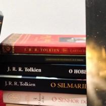 Lá e de volta outra vez, a biografia de Tolkien, o senhor da fantasia