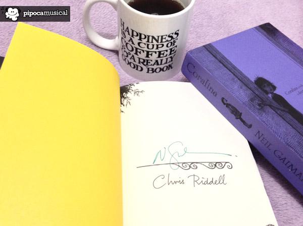 coraline neil gaiman autografado, raquel moritz, livros autografados, especial neil gaiman, livros neil gaiman, gaiman pipoca musical