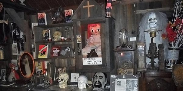 A verdadeira Annabelle está no Museu Ocultista dos Warren
